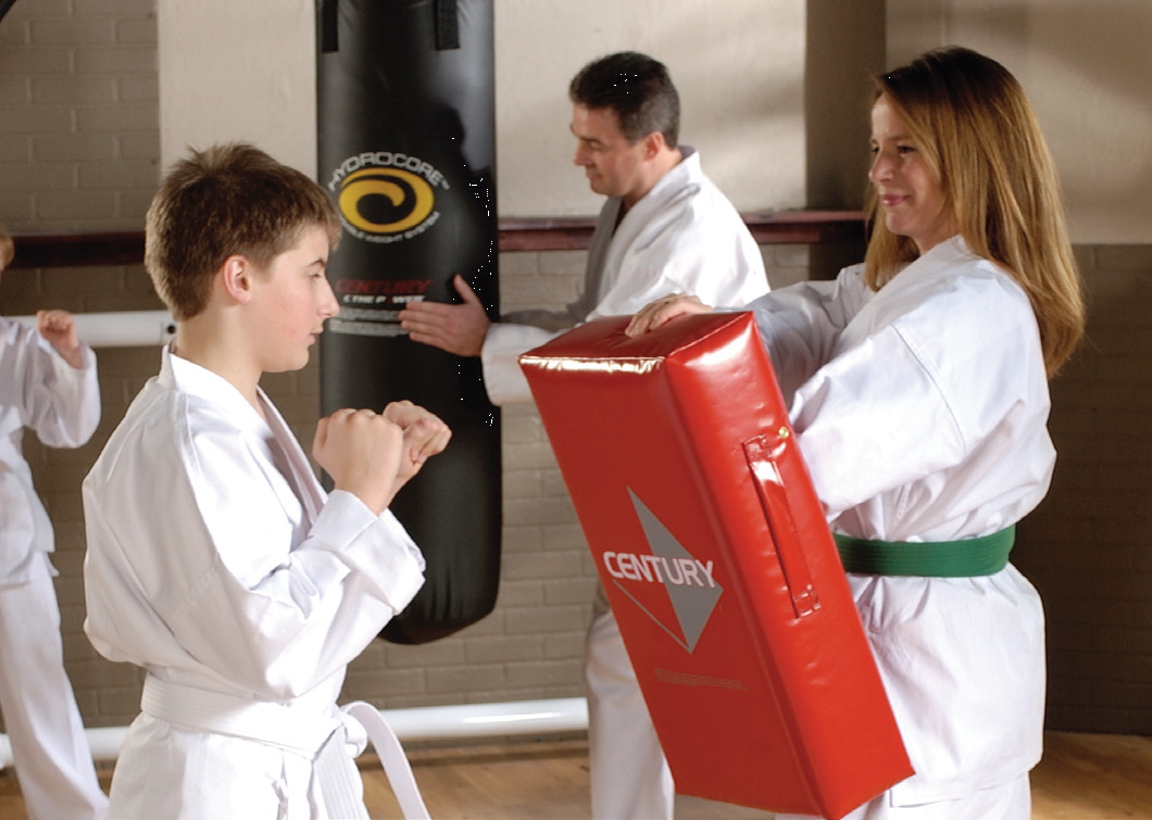 family-kids-karate-martial-arts