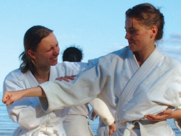 adult-martial-arts-and-karate-672x372